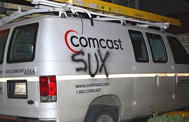Comcast conveniently forgets \u201cno fees\u201d promise until confronted by