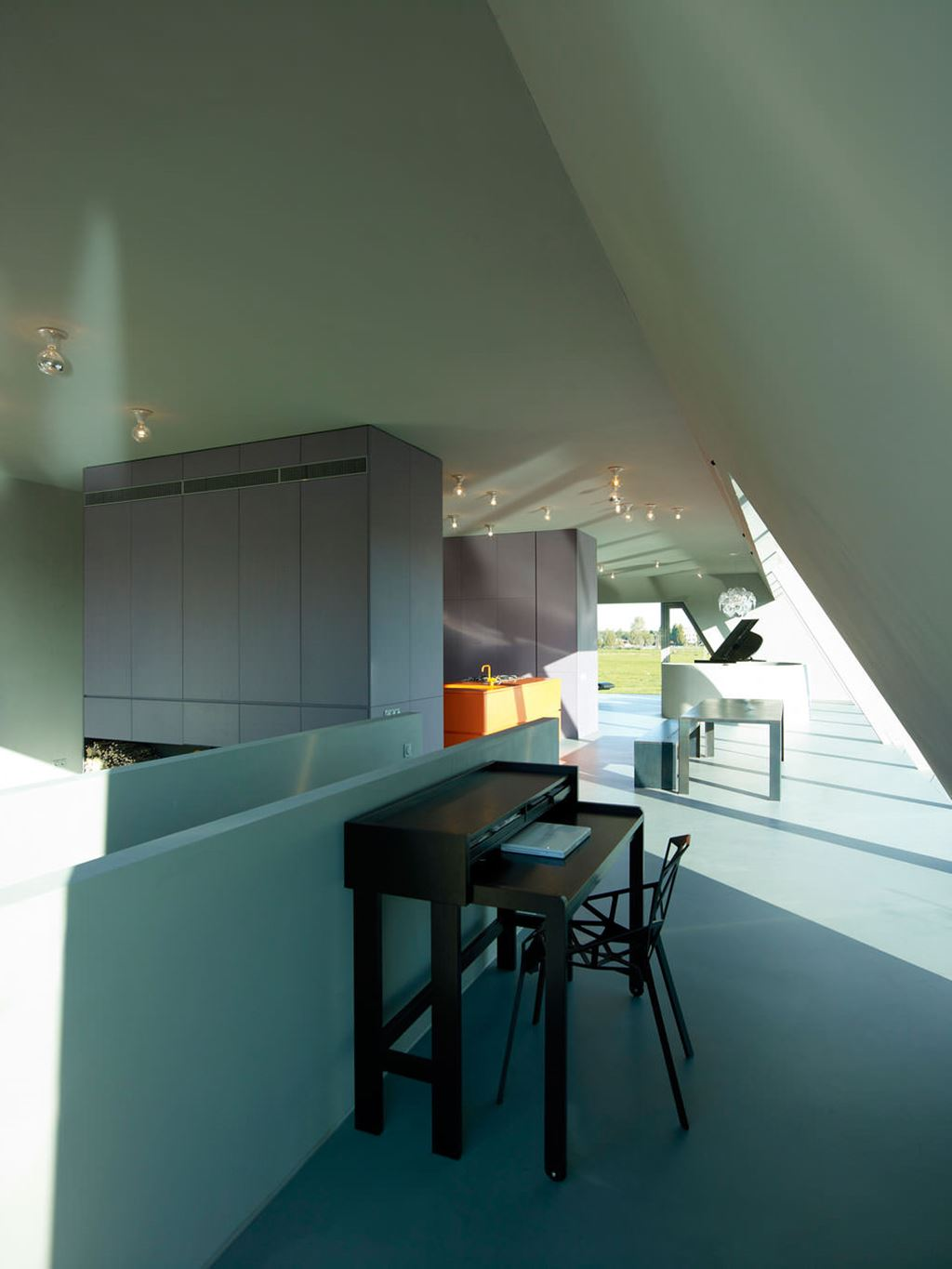 Vmx Architects The House Of Unusual Shape From Vmx Architects