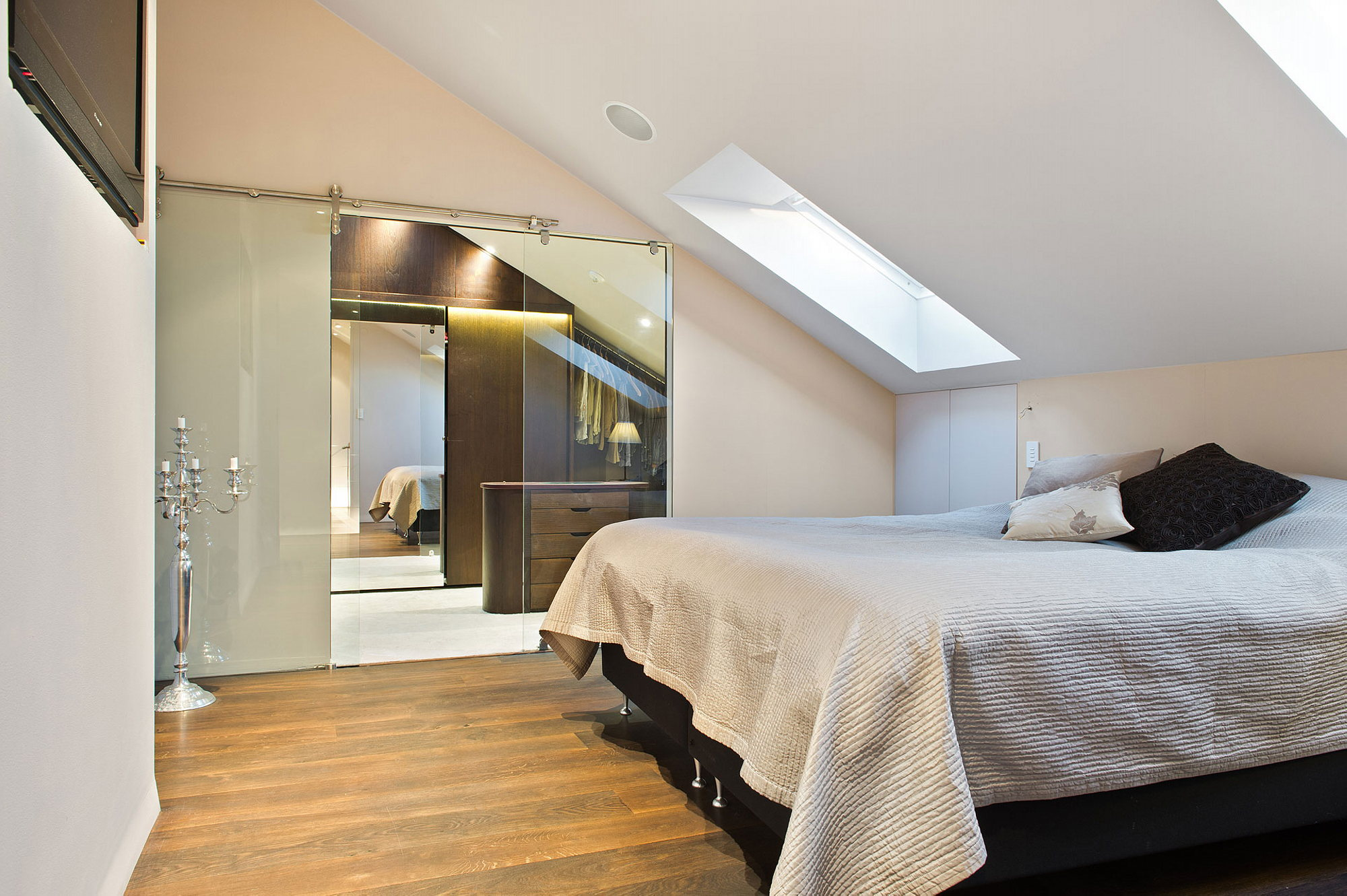Extraordinary Square Meters On Attic Stockholm Apartment Stockholm 100 Square Feet Bedroom Design Square Bedroom Interior Design Square Meters Attic Apartment bedroom Square Bedroom Design