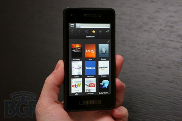 BlackBerry 10 Web Browser Comparison