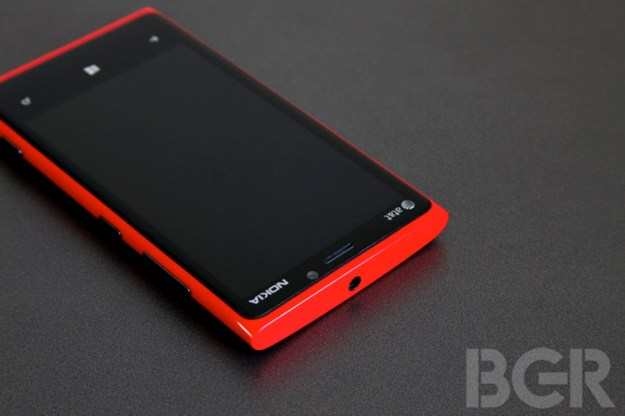 Lumia 920 vs. iPhone 5
