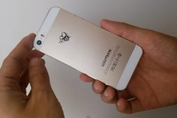 Goophone i5S Gold iPhone Knockoff