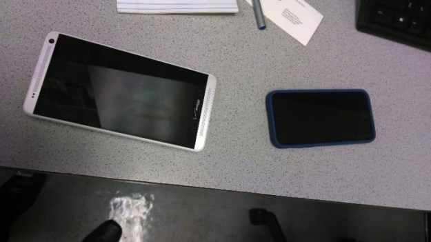 HTC One Max Photos