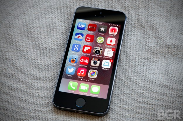iOS 8 on iPhone 5s Images