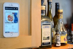 Galaxy S6 vs. iPhone 6: Zero G Case