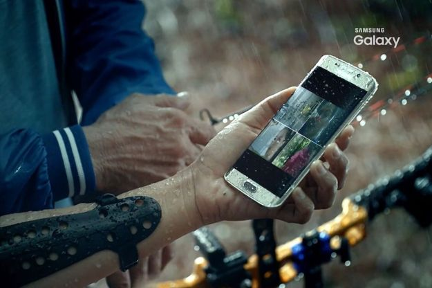 Galaxy S7 Screen Drops Waterproof