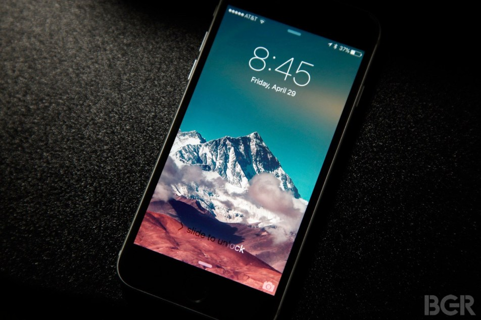 300 free wallpapers that will breathe new life into your iPhone (or Android phone)