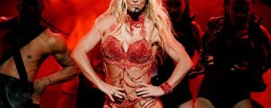 Watch the Britney Spears BMA performance that the internet is going crazy over