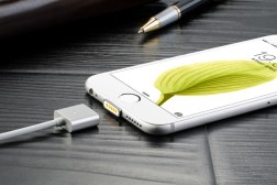 iPhone Magnetic Charger