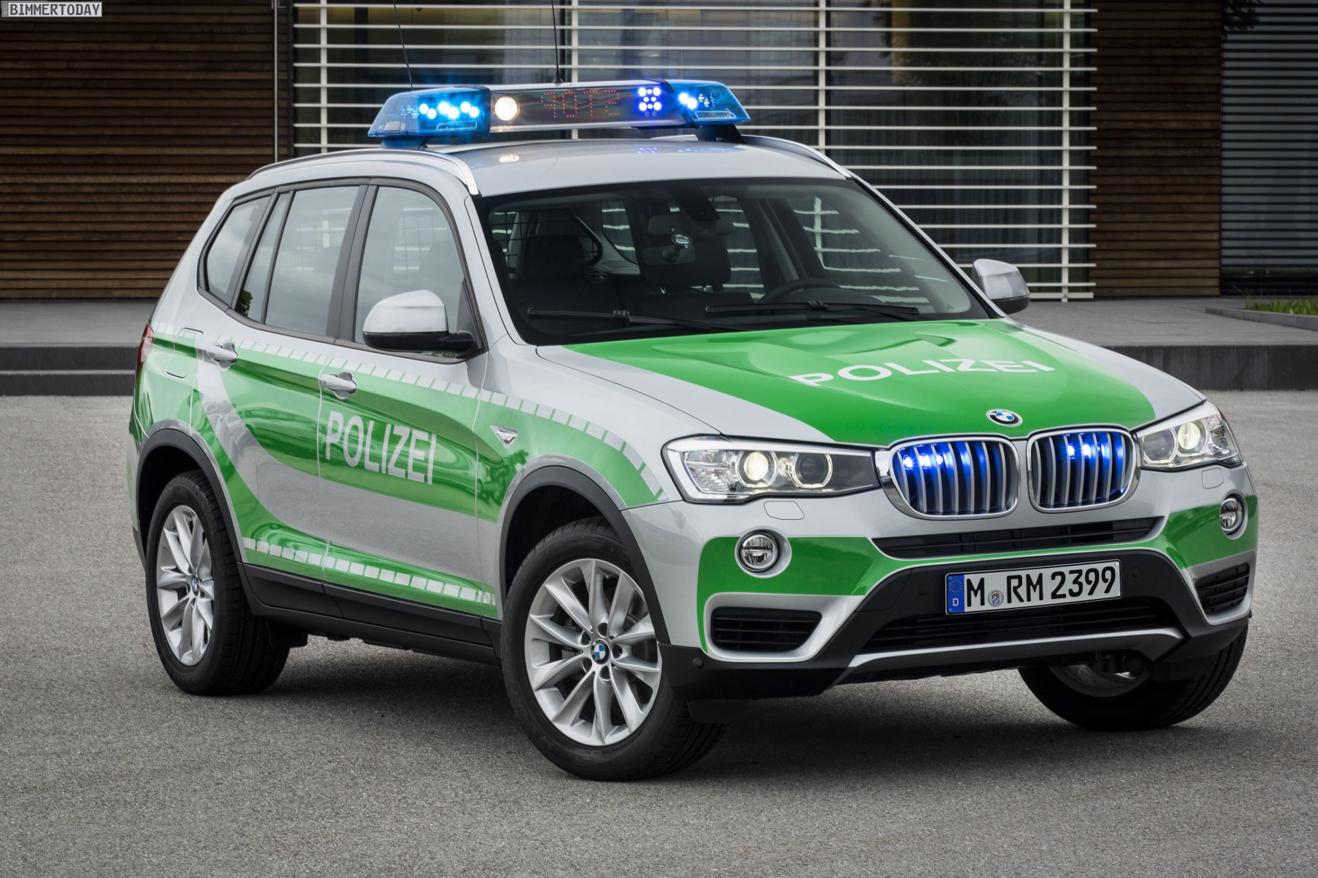 Dubai Police Car Wallpapers Gpec 2014 Bmw X3 F25 Lci Als Polizei Auto Vorgestellt