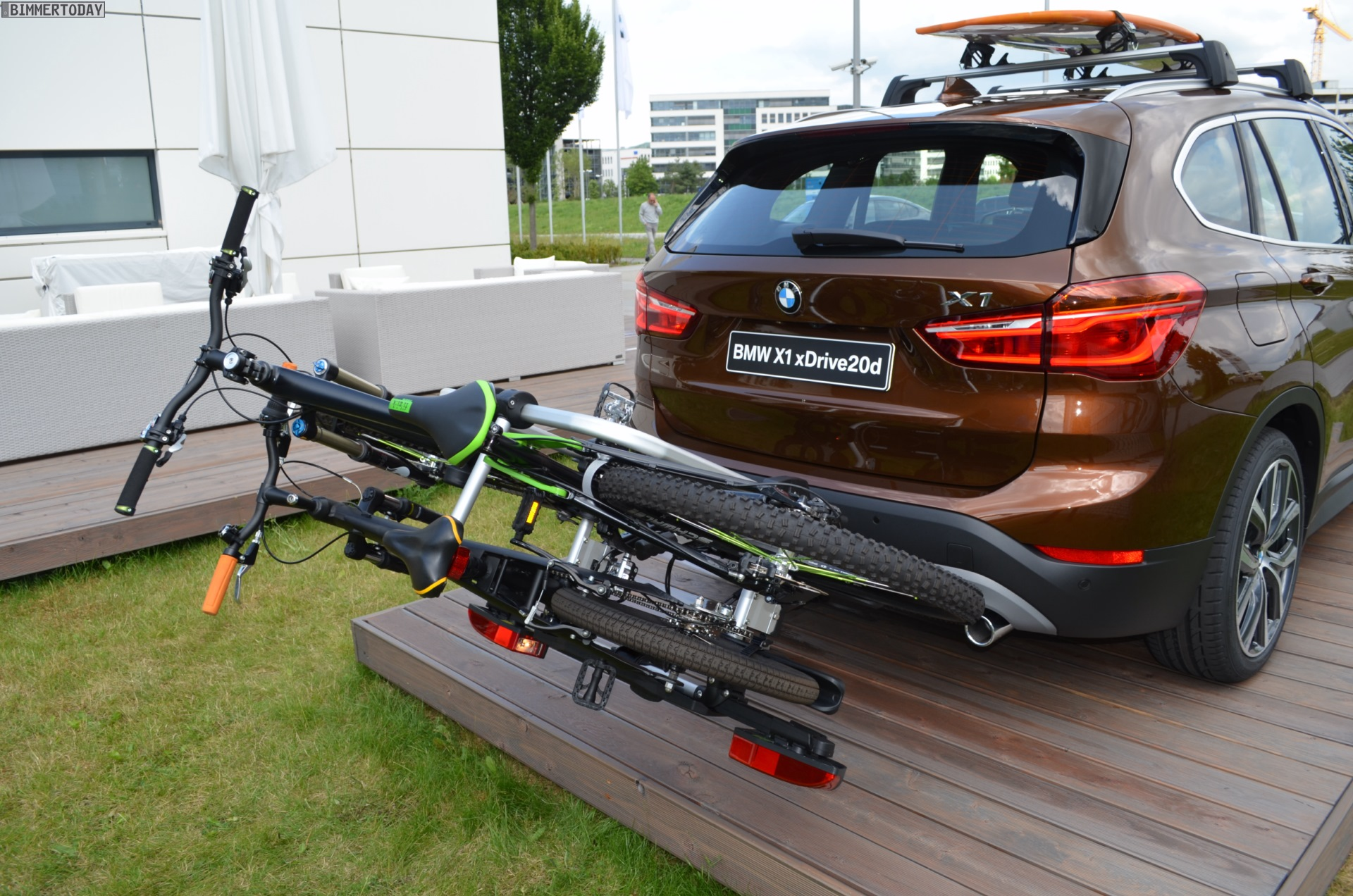 Kindersitz Test Suv 2015 Bmw X1 Looks Great In Chestnut Bronze Color