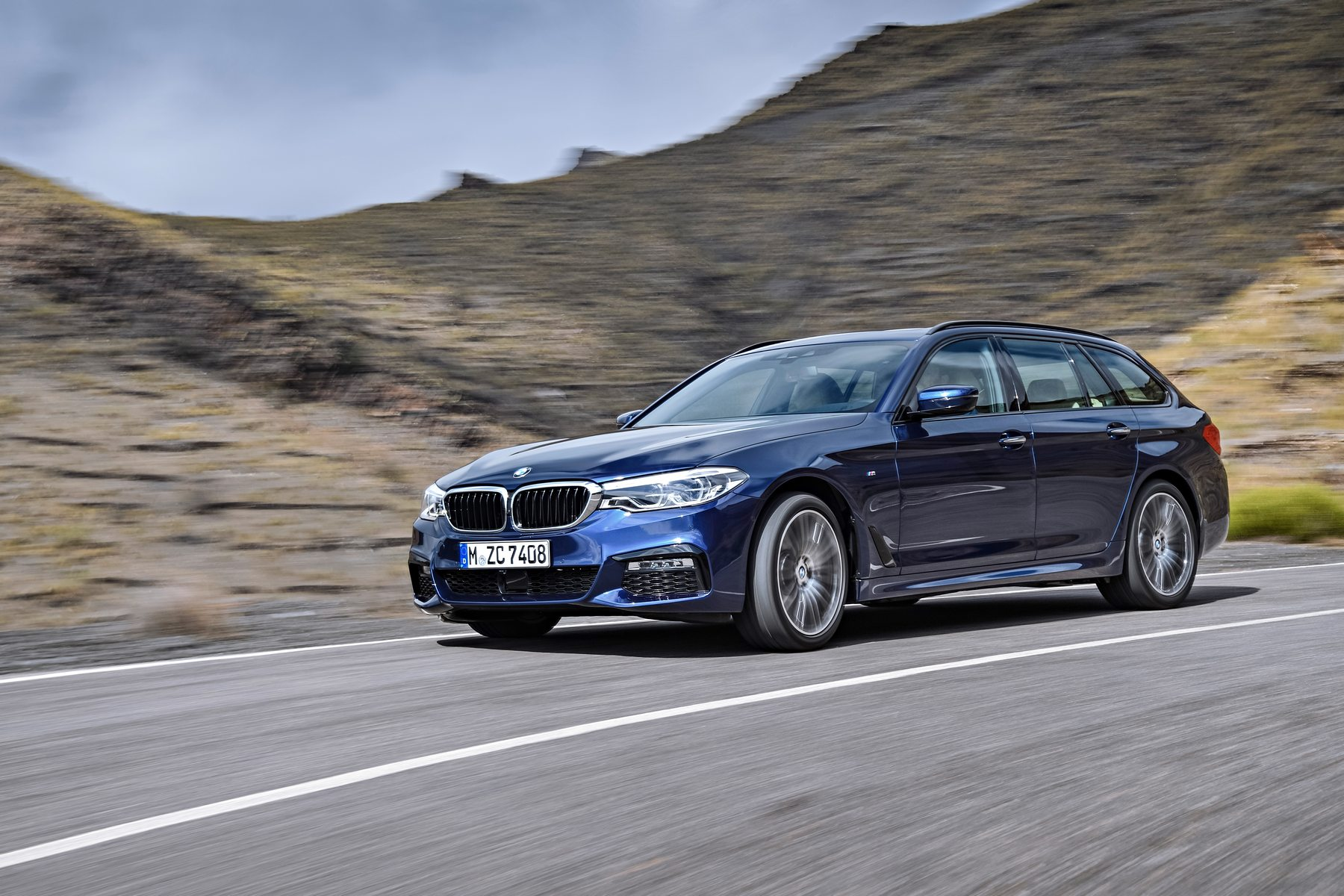 Bmw 5 Series Touring Xdrive Why We Love The New Bmw 5 Series Touring