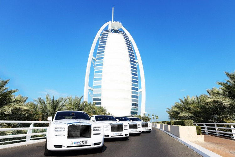 Dream Car Wallpaper Dubai S Burj Al Arab Hotel Has Added Four More Rolls