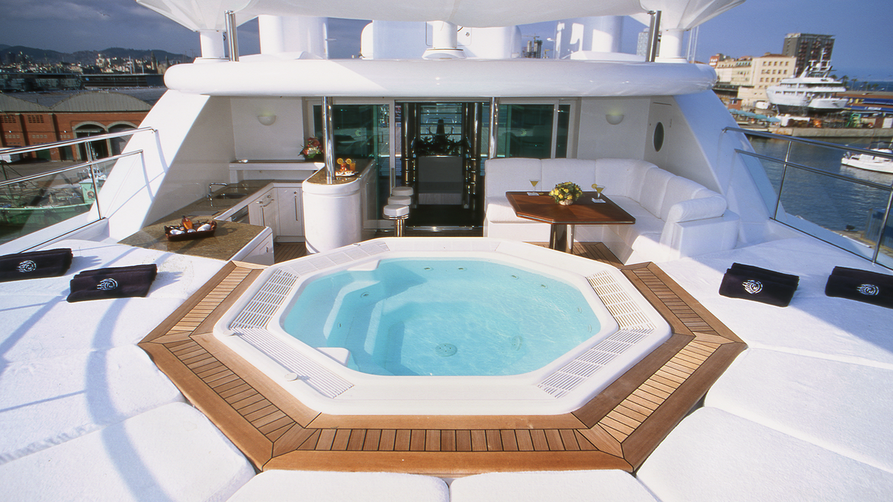12 of the best superyacht hot tubs