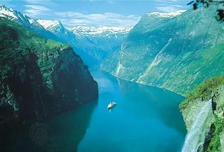 Fjord sea inlet Britannica - fjord