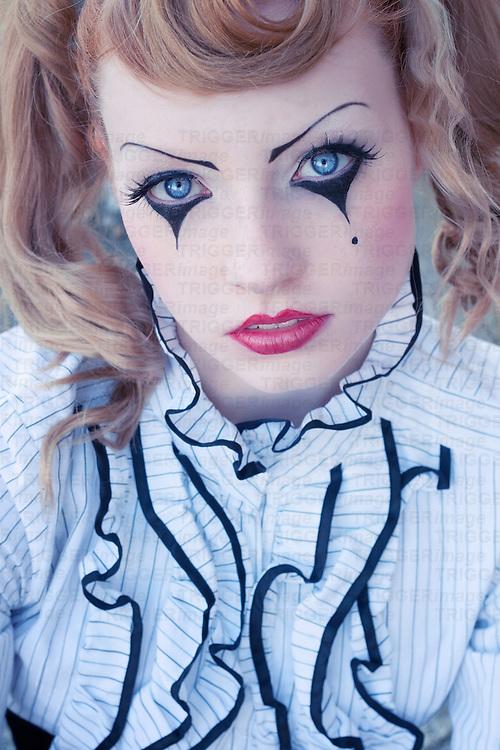 Afbeeldingsresultaat voor clown schminken Couture Clowns and - clown ideas for halloween