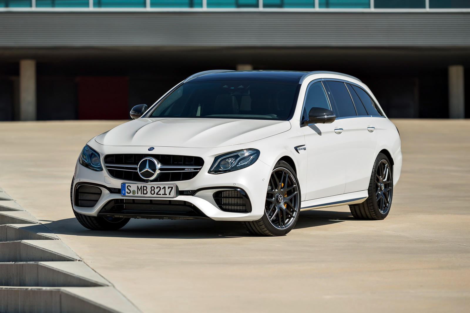 Mercedes Amg 2018 Mercedes Amg E63 Wagon Review Review Trims Specs And Price