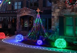 Debonair Abasketball Pole Outdoor Yard Decorating Ideas Easy Diy Outdoor Decorations Diy Outdoor Decorations Pinterest Make A Diy Light Tree Yard Using String Lights