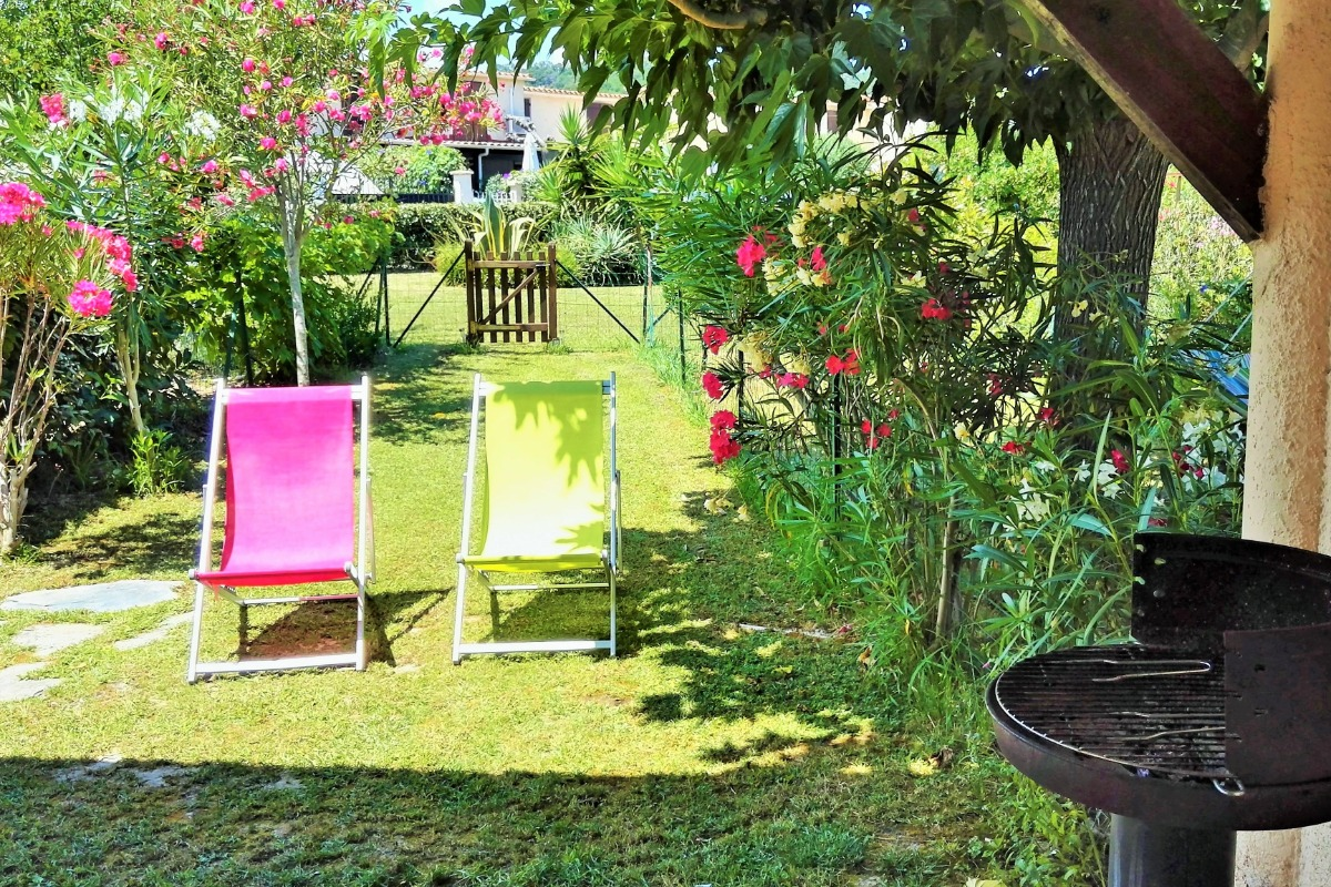 Location Table Chaise Jardin Charming Renovated 3 Room Accommodation For 5 100 M From The