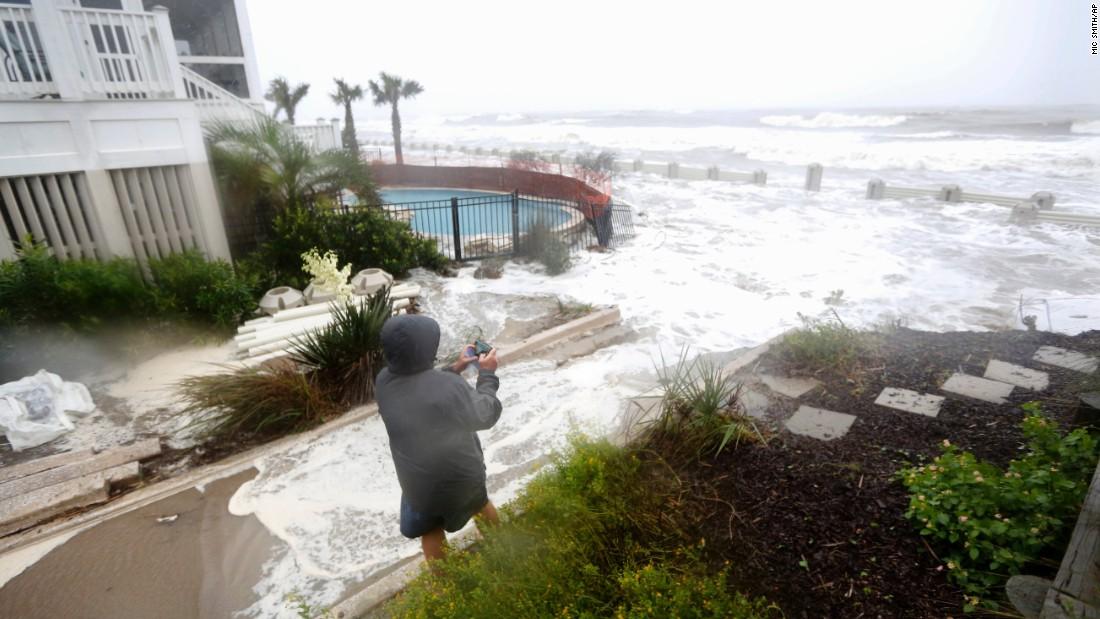 In South Carolina, \u0027it\u0027s a historic flood\u0027 - CNN
