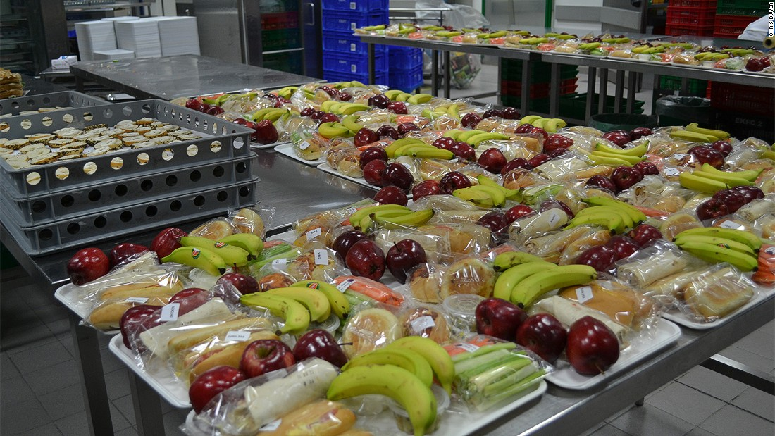 Airline food Emirates airline dishes out 180,000 meals CNN Travel