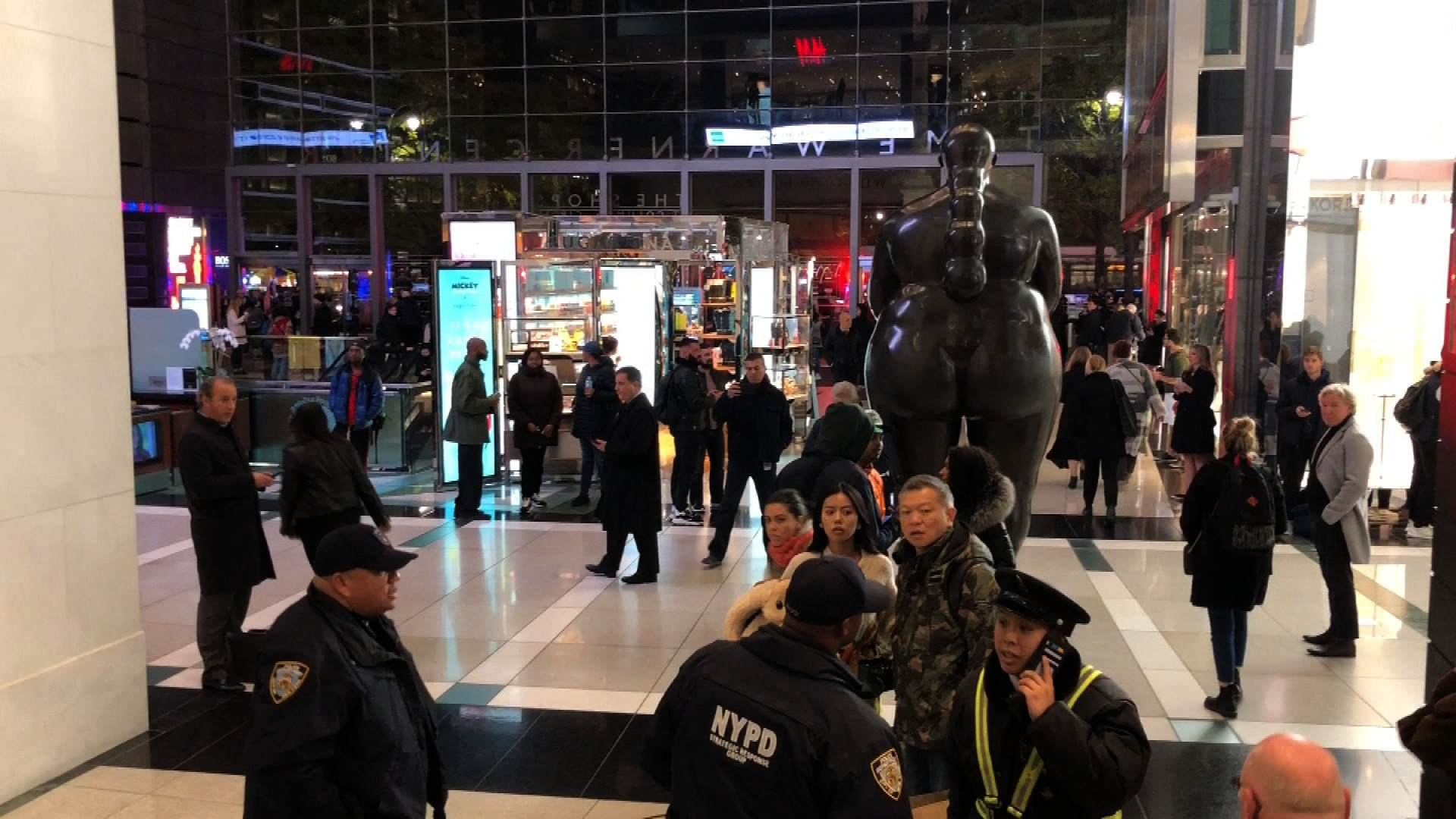 Bag Shops Nypd Responding To Report Of Unattended Bag