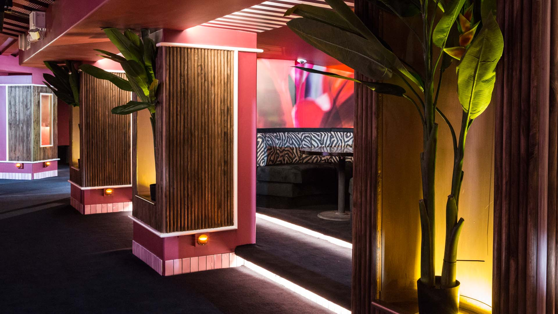 Lounge Sydney A First Look Inside Kings Cross New Miami Inspired Flamingo