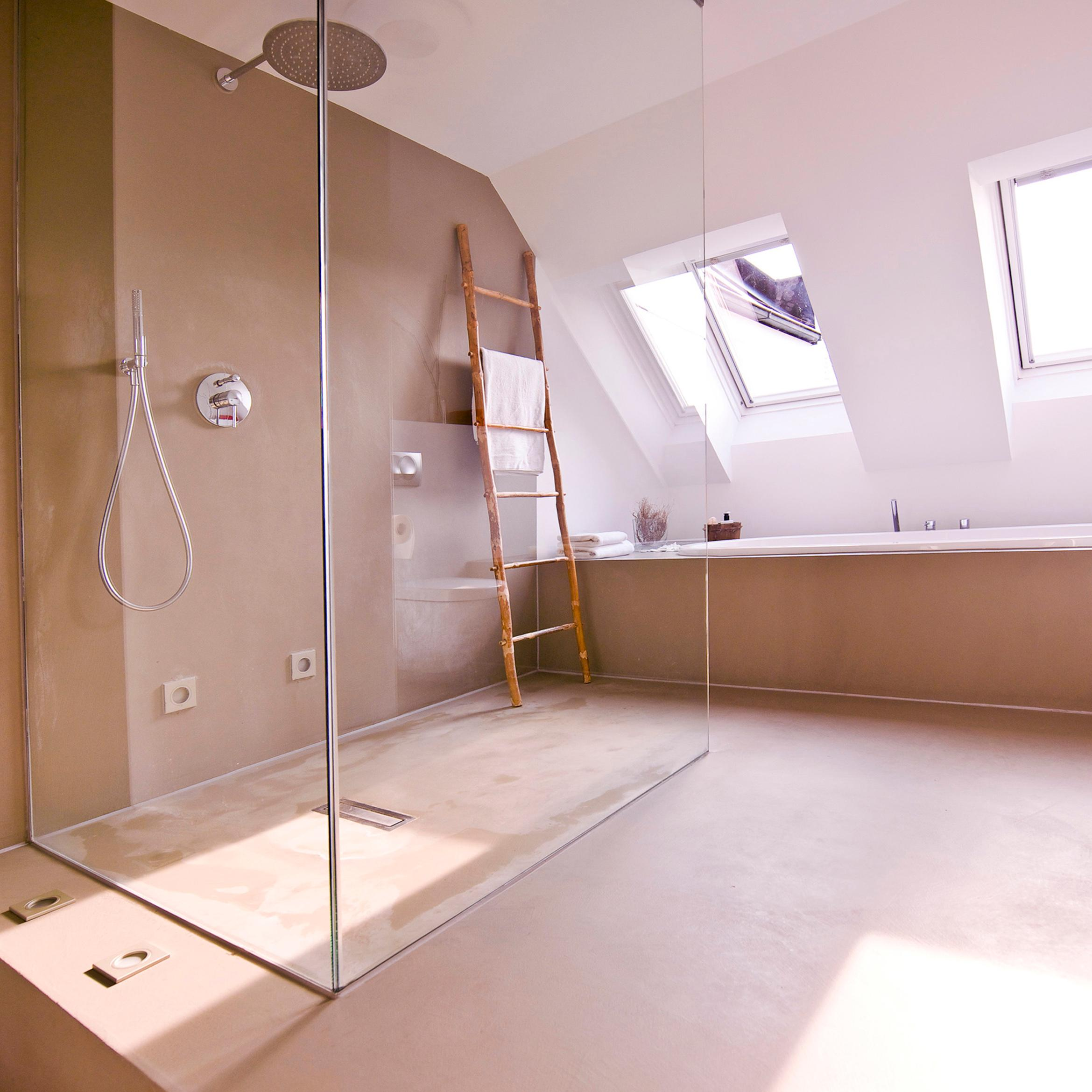 Sichtestrich Im Badezimmer Betonboden Bad Latest Bodenbelag Frs Bad Zu Fliesen With
