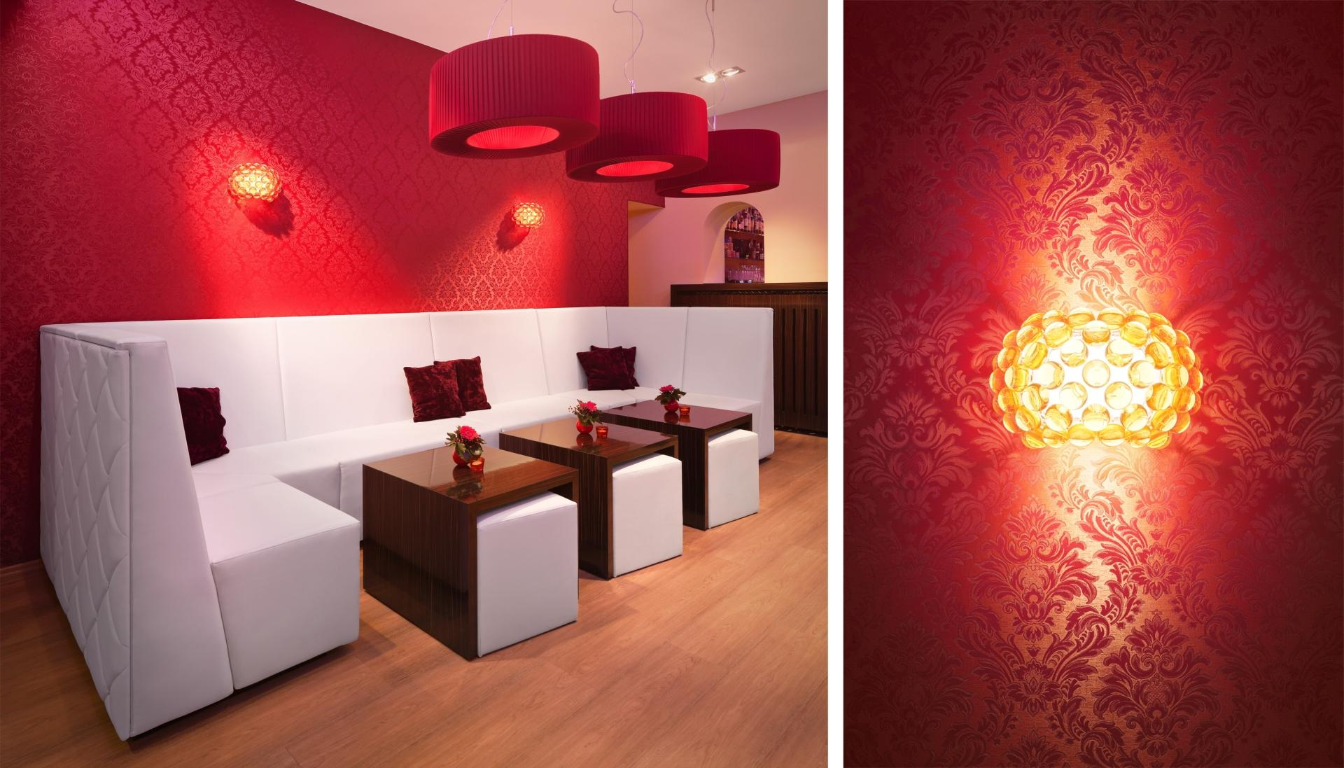 Moderner Lesesessel Rote Wandfarbe • Bilder & Ideen • Couch