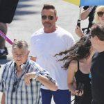 Un Schwarzenegger más juvenil fue visto en el rodaje de una película