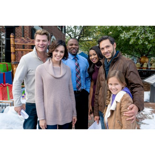 Medium Crop Of Christmas In Homestead Cast