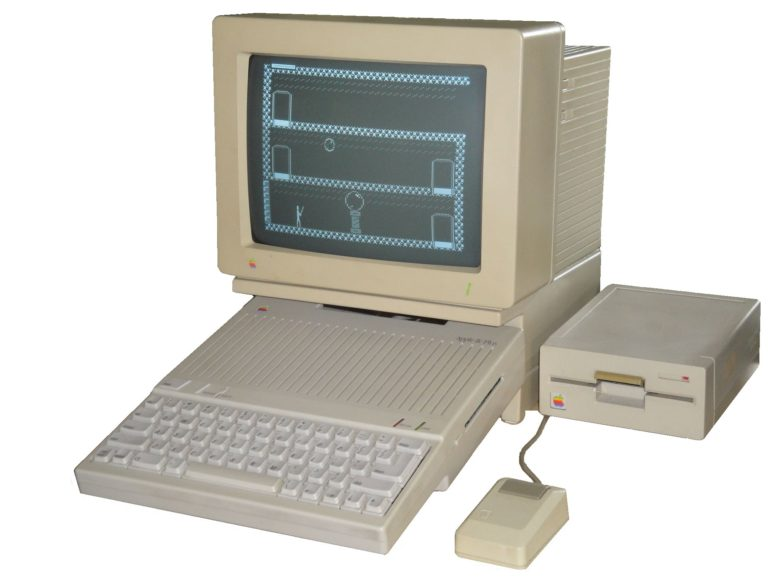 Compaq Wallpaper Hd Today In Apple History The Final Apple Ii Model Arrives