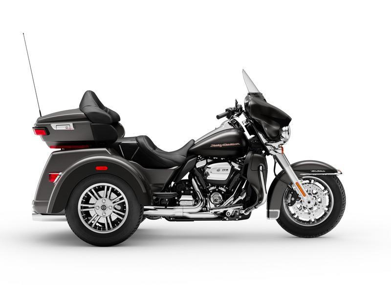 2019 Harley-Davidson® FLHTCUTG - Tri Glide® Ultra Space Coast