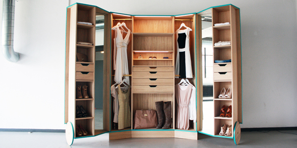 Schlafzimmer Eckschrank Ikea Ergonomic Walk-in Closet Opens Up Into A Stylish Mini