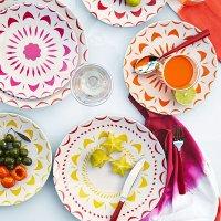 Colorful melamine plates - Decoist