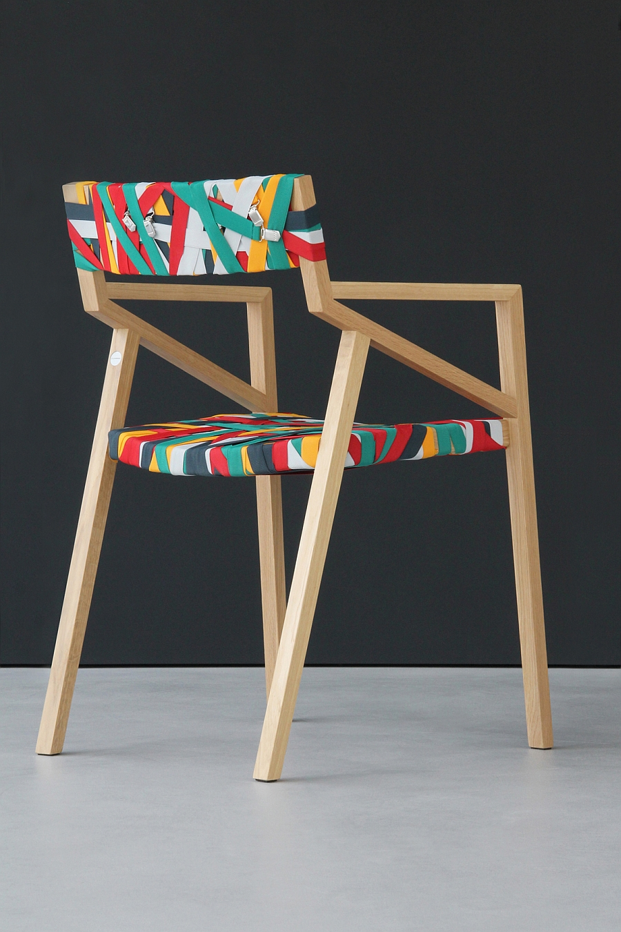Design Stuhl Trendy Minimalist Wood Chair Wrapped In Multicolored