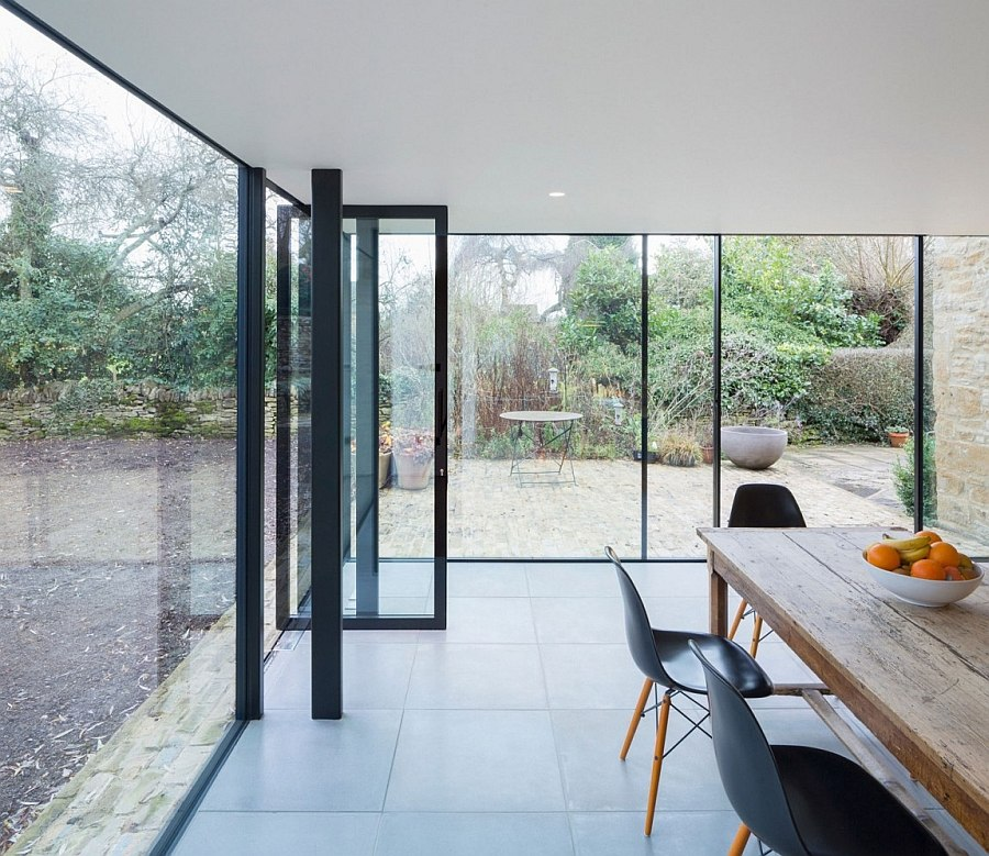 Structural Design Of Roof Garden 17th Century British Cottage Gets A Glassy Modern Extension