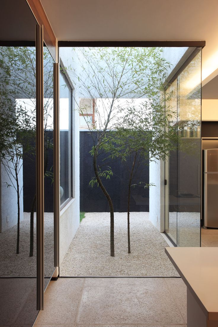 Courtyard Designs 16 Minimal Courtyards With Just A Hint Of Nature