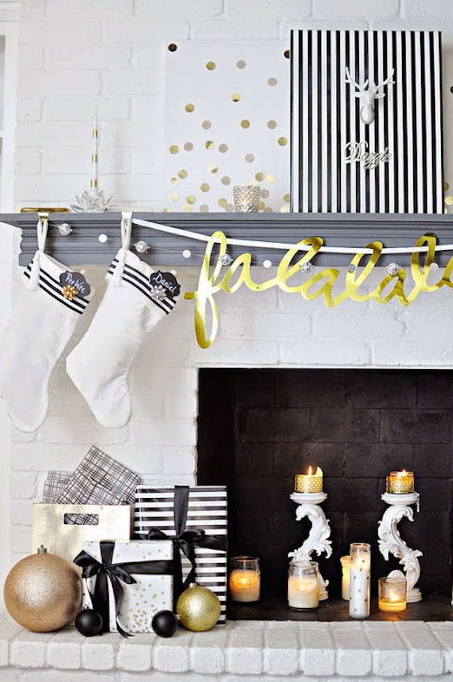20 chic holiday decorating ideas with a black gold and white color scheme