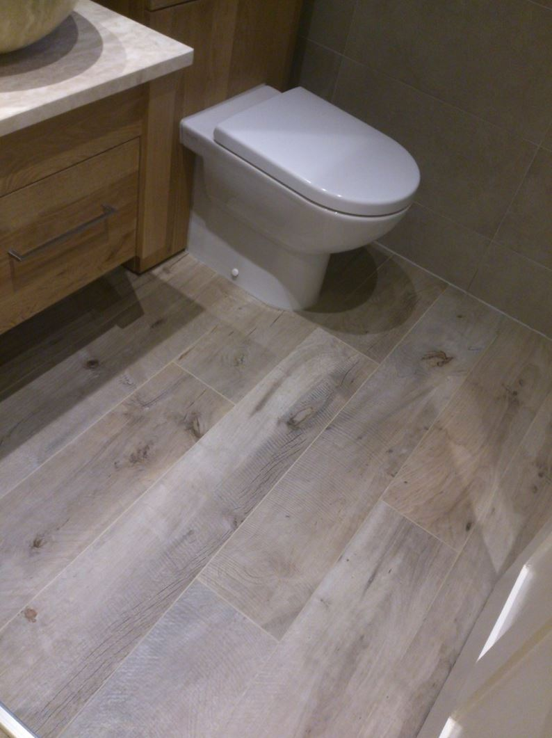 Wood Looking Tile Bathroom Decorating With Porcelain And Ceramic Tiles That Look Like Wood