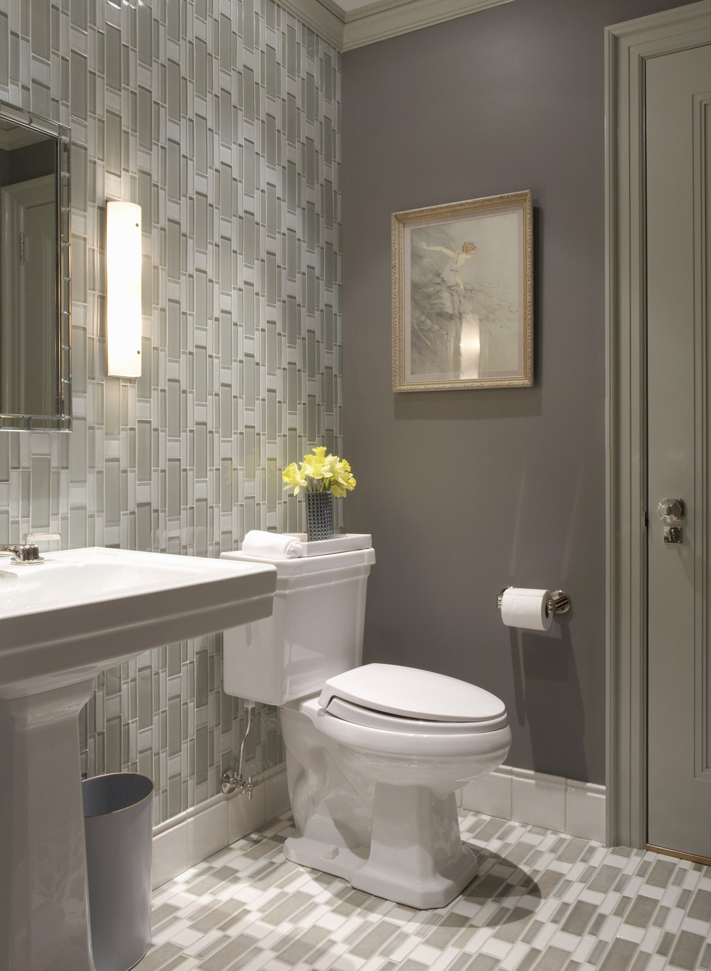 White And Gray Bathroom Ideas How To Decorate With The Color Taupe