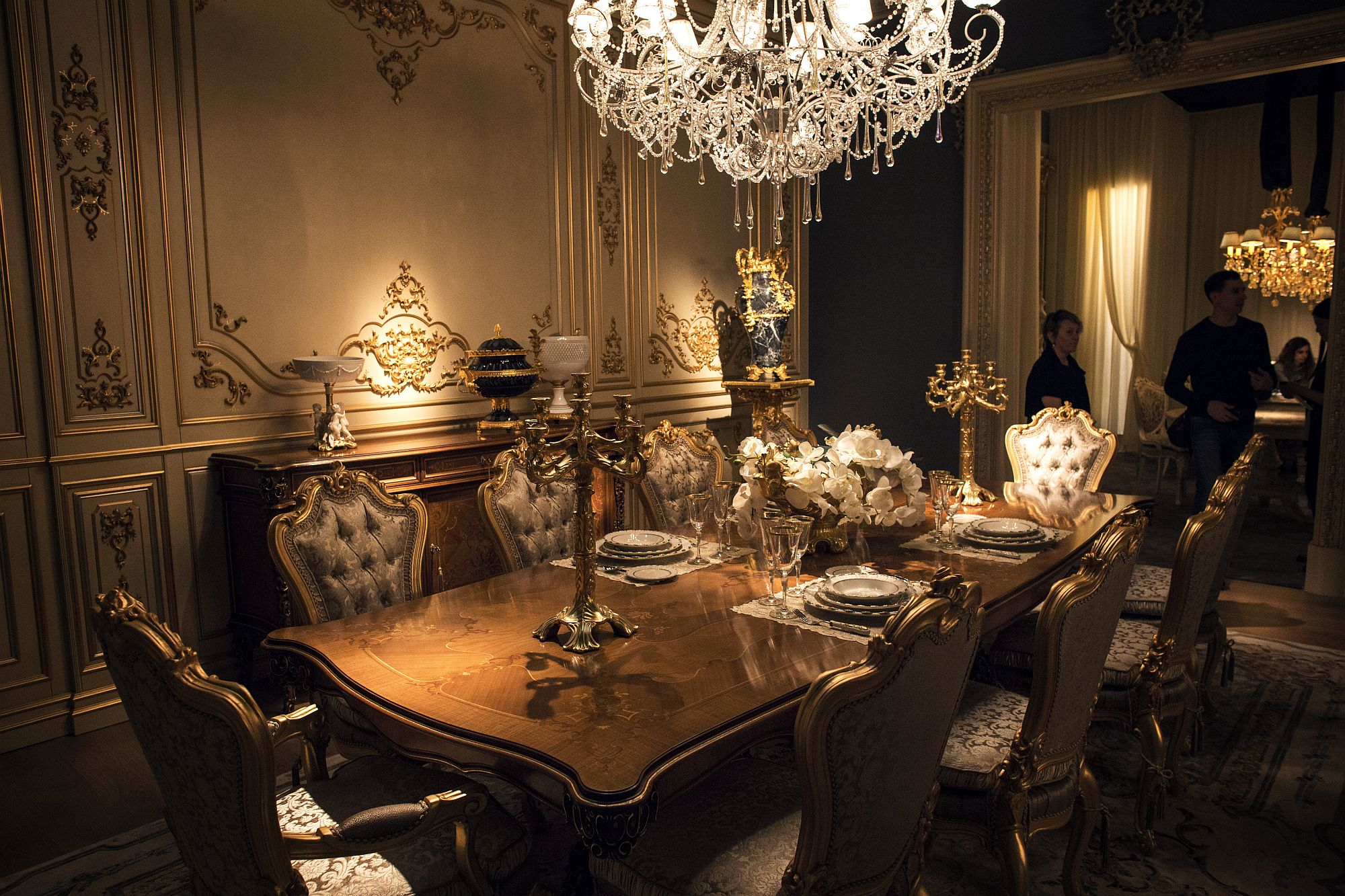 Black Glitter Wallpaper Bedroom Luxury All The Way 15 Awesome Dining Rooms Fit For Royalty