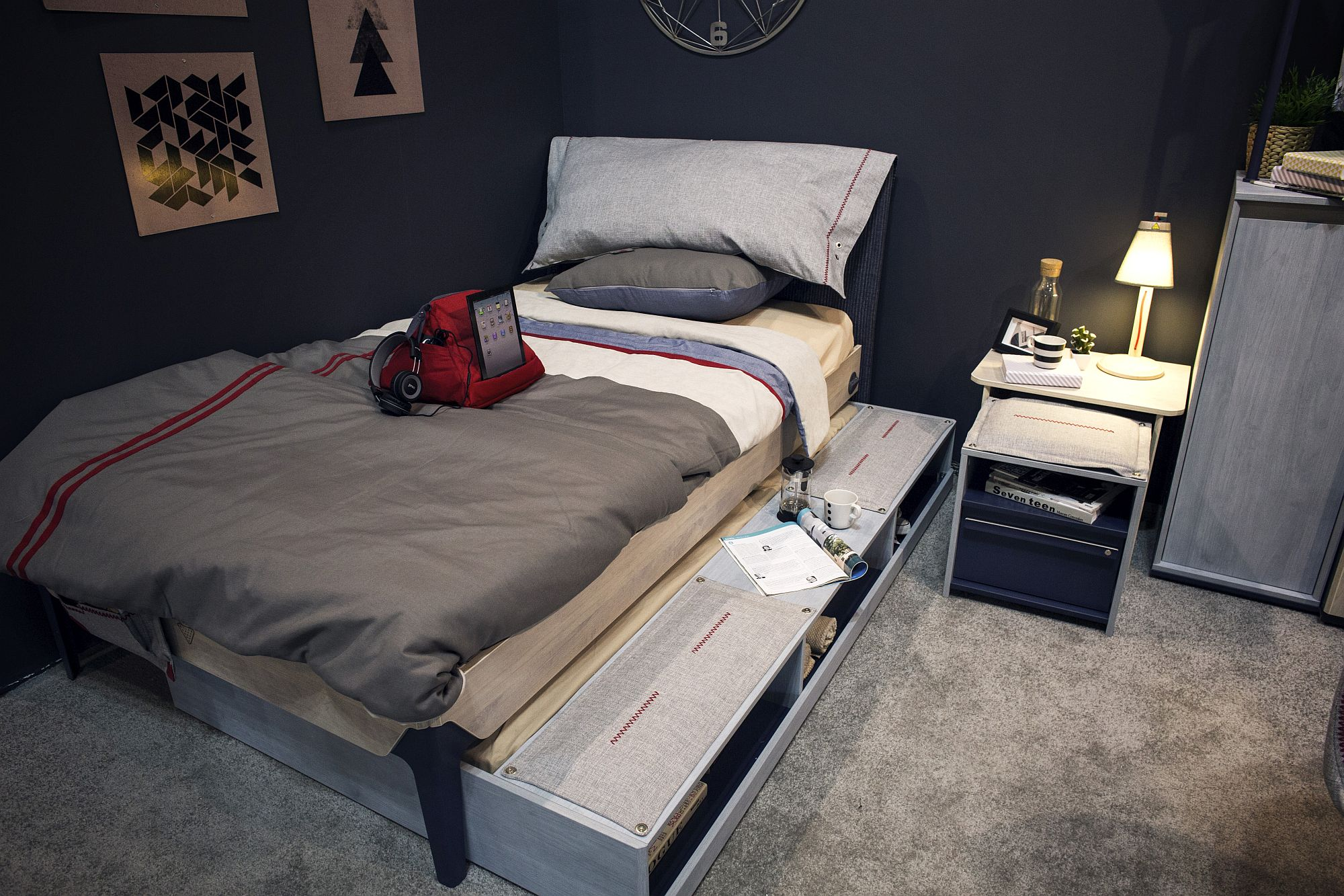 Smart Beds For Small Rooms 12 Space Savvy Ideas For The Small Modern Bedroom