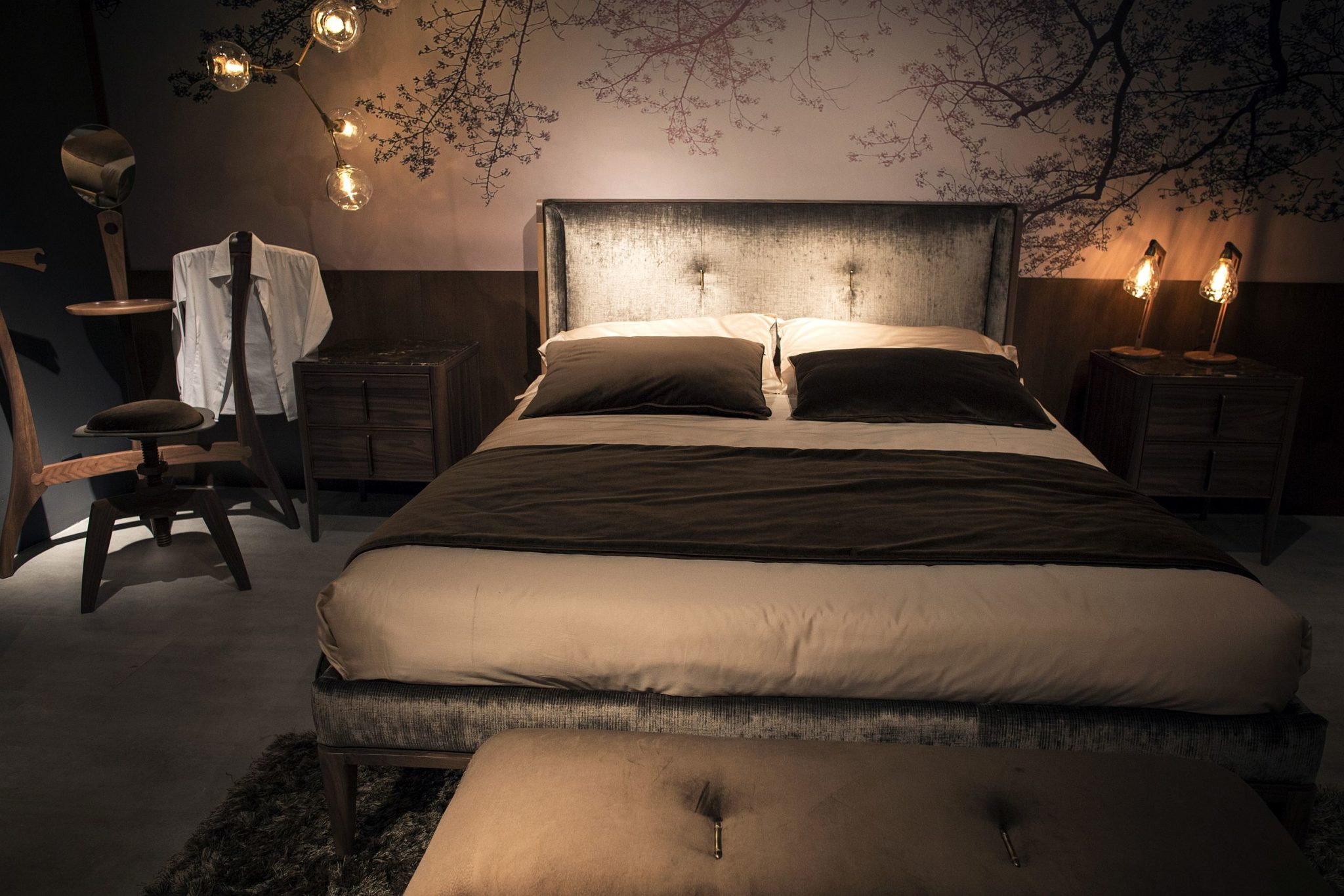 Bedroom Mood Lighting Gold Glitter And Endless Luxury 15 Opulent Bedrooms From
