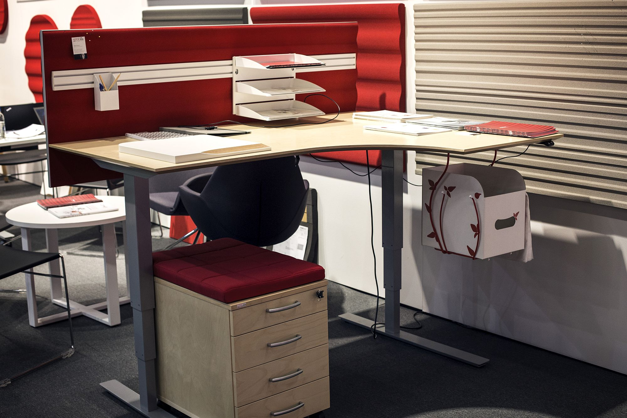 Small Desk Options Space Savvy Workspaces Finding The Right Desk For Your