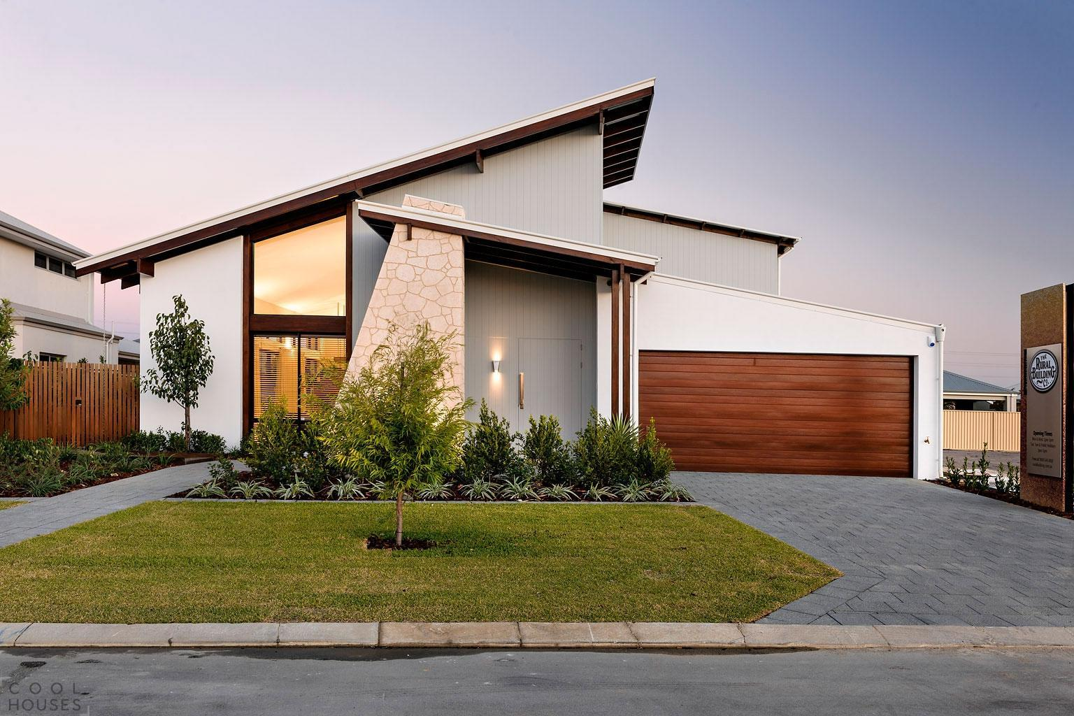 Contemporary Driveway 30 Homes That Show Off Their Top Notch Modern Driveway