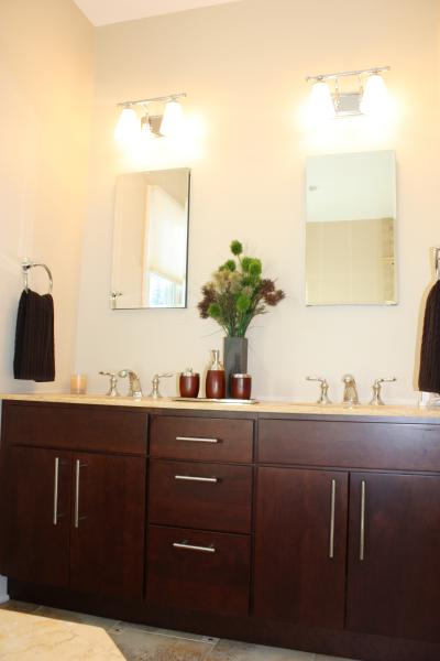 Classic Girl Wallpaper Bathroom Benjamin Moore Everlasting