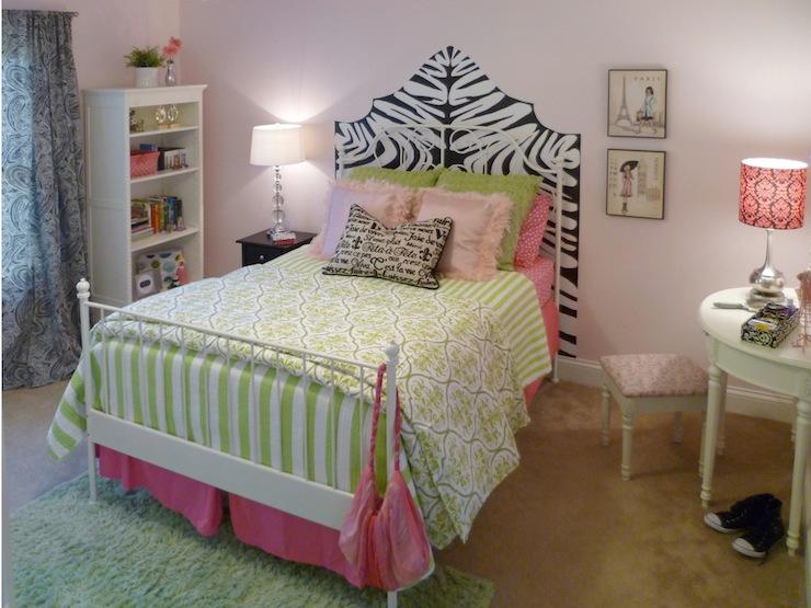 Pin Up Girl Art Vintage Wallpaper Zebra Headboard Transitional Girl S Room Sherwin