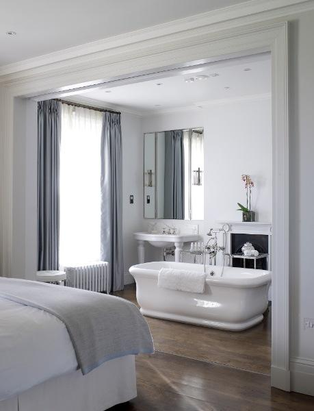 Moderne Slaapkamer Sets Master Bedroom Bathtub - Transitional - Bathroom