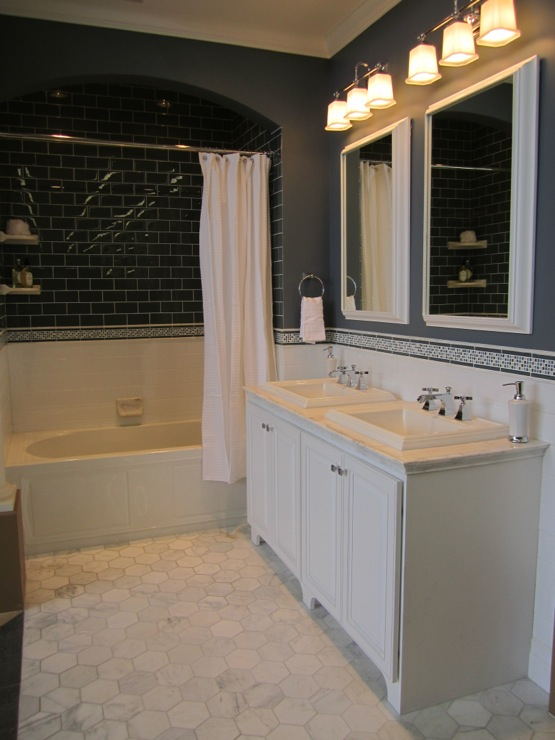 Modern Bedding Bathroom - Sherwin Williams Foggy Day